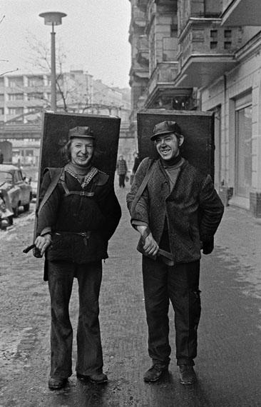 Fotograf: Bernd Heyden Aufnahmedatum: 1976 Aufnahmeort: Berlin (Ost) Inventar-Nr.: Hd 0500-18 Systematik: Kulturgeschichte / Fotografen / Heyden / Werke